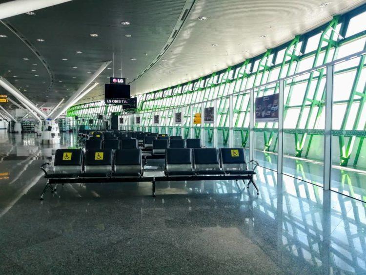Полеты приостановлены: как выглядит опустевший аэропорт в Нур-Султане