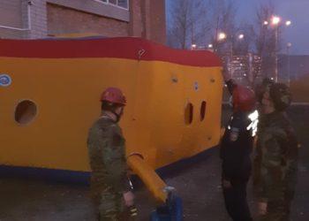Выброситься с детьми из окна девятиэтажки угрожал житель Усть-Каменогорска