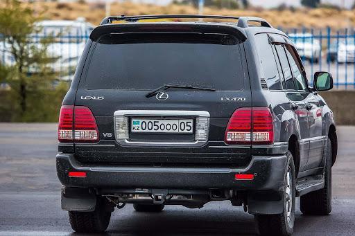 Казахстанцы смогут сохранять за собой госномера при перерегистрации авто 1