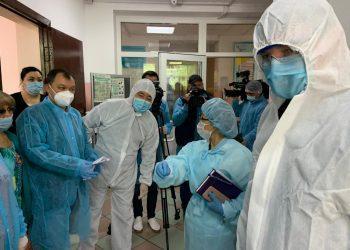Партия Nur Otan взяла на контроль условия проживания медработников в Алматы 1