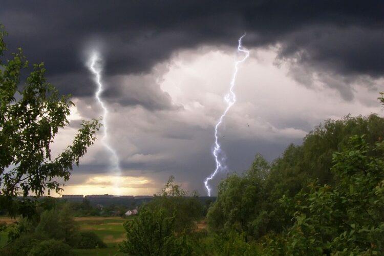 В восьми областях Казахстана объявлено штормовое предупреждение