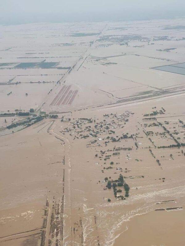 В режиме ЧС: тысячи жителей Туркестанской области эвакуировали из-за прорыва дамбы в Узбекистане