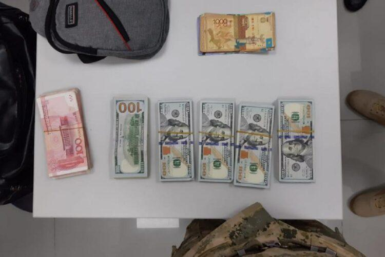Казахстанец пытался вывезти в Китай почти 50 тысяч долларов 1