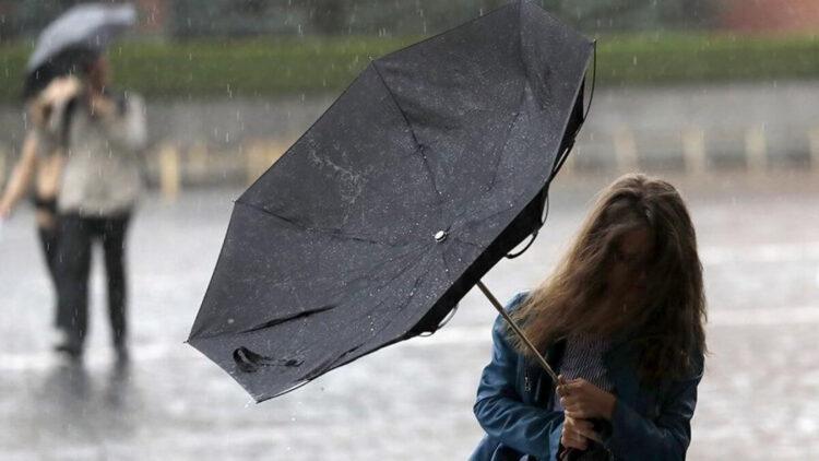 В семи областях и пяти городах Казахстана объявлено штормовое предупреждение