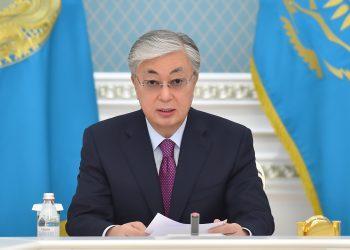 Токаев поздравил казахстанцев с Днем Победы