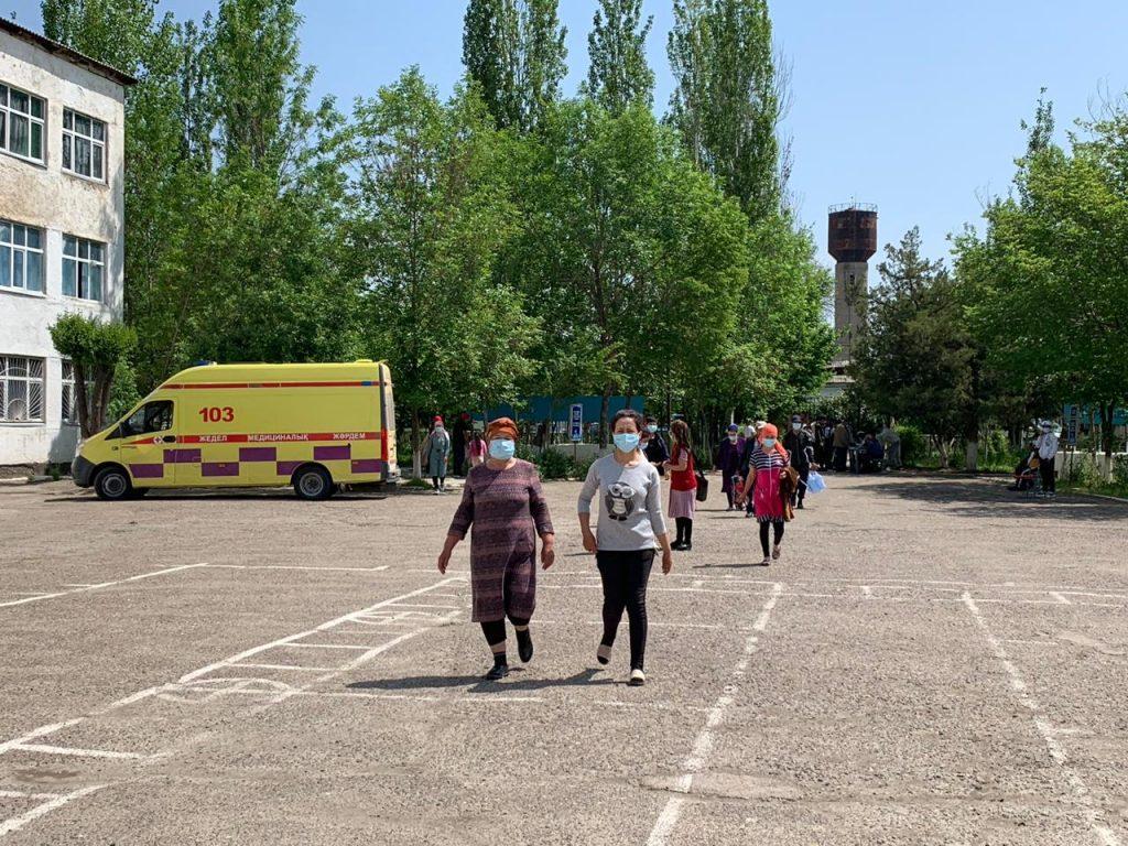 ЧС техногенного характера в Туркестанской области: Умирзак Шукеев посетил затопленные села 1