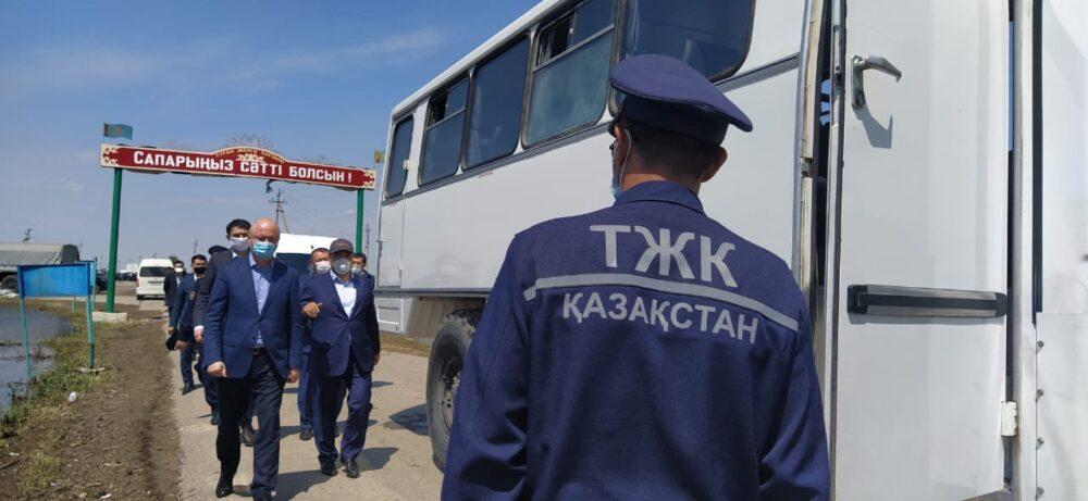 Роман Скляр жителям затопленных поселков в Туркестанской области: Никто не останется без помощи 1