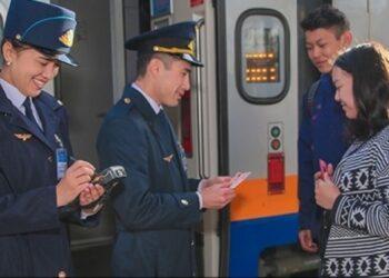 Полмиллиона железнодорожных билетов продали в Казахстане с 15 мая