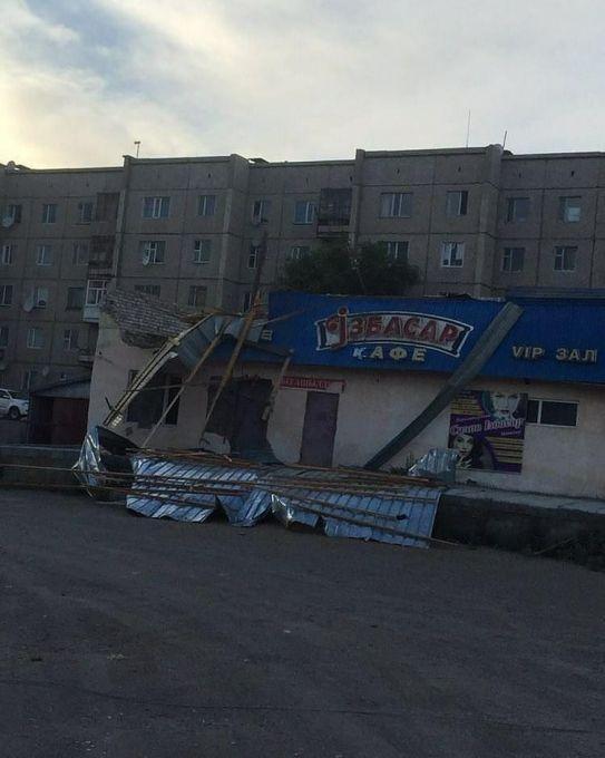 Разрушительный ураган в Аягозе: пострадали семь человек 1