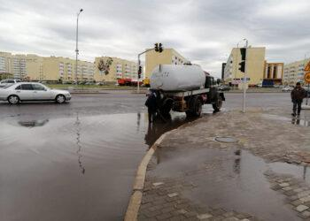 Нур-Султан опять затопило дождевыми водами. Коммунальщики ликвидируют последствия 2