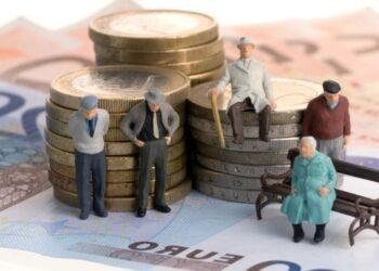 252 миллиарда пенсионных тенге казахстанцев отдали банкам. Куда еще уходят деньги ЕНПФ 1