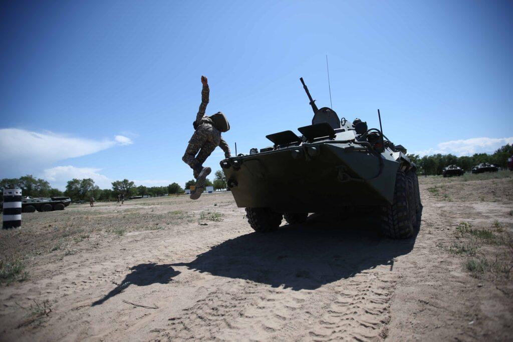 Выпускники Военного института сухопутных войск сдают госэкзамены 3