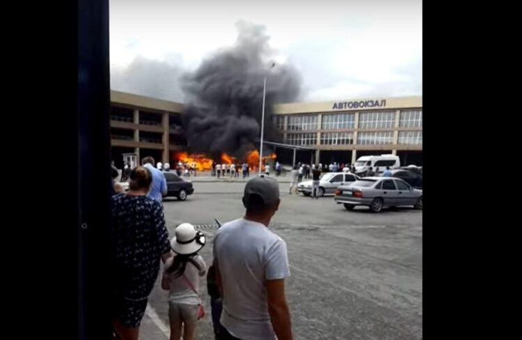 В Шымкенте произошел крупный пожар 1