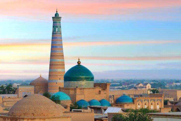 Если в Узбекистане турист заразится коронавирусом, он получит 1,2 млн тенге 1