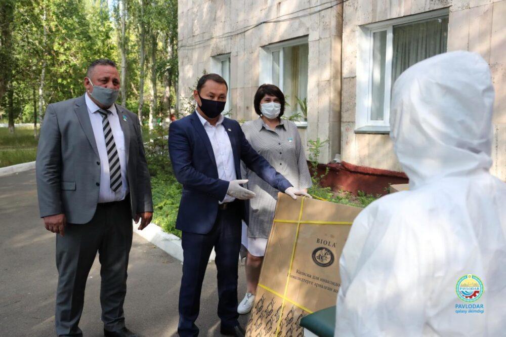 Партийцы Nur Otan подарили медоборудование больнице Павлодарской области
