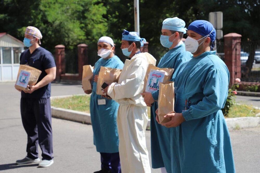 Волонтеры «Jas Otan» продолжают республиканскую акцию по поддержке медиков 3