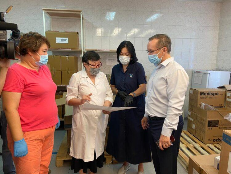 Nur Otan помогает павлодарским больницам и врачам во время пандемии 1