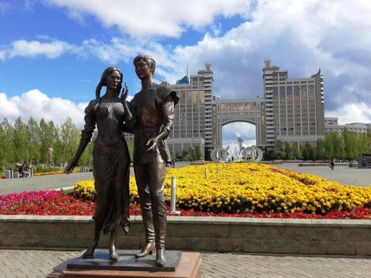 Столичные партийцы провели очередной рейд в городских парках и садах 1
