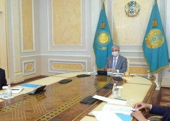 На кого можно поменять правительство Казахстана, если всех распустят 1