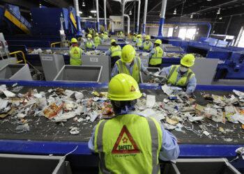 Штрафы, конфискации и GPS - как очистить Казахстан от мусора и стихийных свалок 3