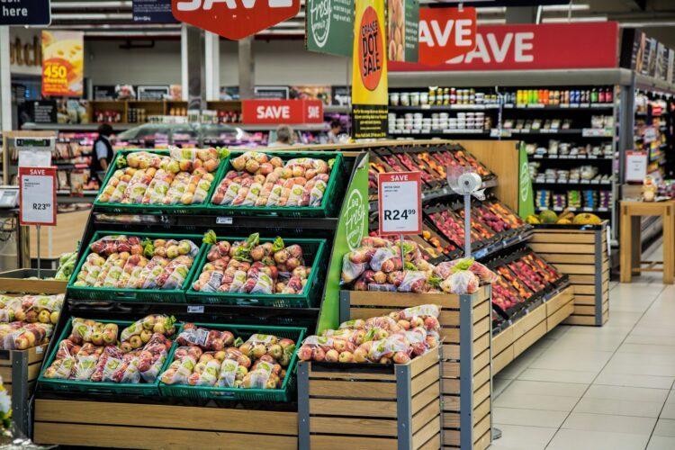 Правительство раздает 5 556 тенге на продукты: Много ли купишь на эти деньги? 1