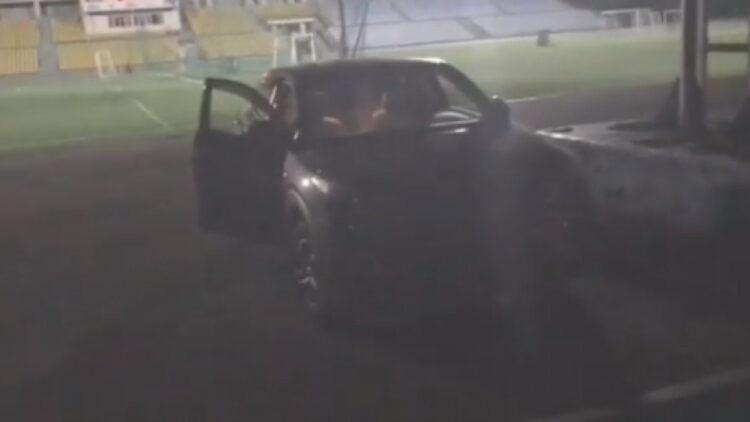 Пьяный алматинец заехал на стадион и едва не убил пятилетнего мальчика 1