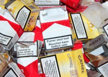 Почему каждый казахстанец должен предъявлять документы при покупке сигарет. Ответ Минздрава 1