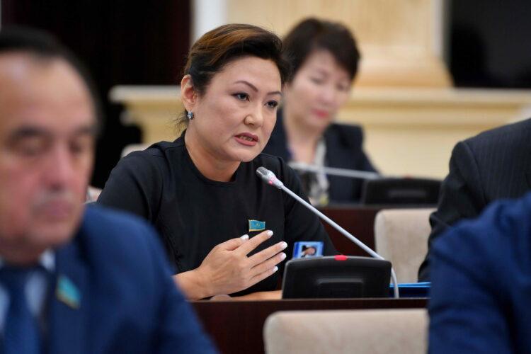"""Сенатор требует наказать больницы, зарабатывающие на """"фейк"""" услугах и вернуть казахстанцам деньги 1"""
