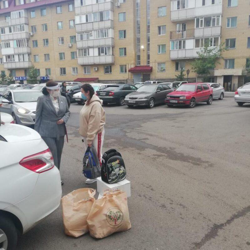 Столичные партийцы решили проблемы семьи Дильназ Шариповой 1