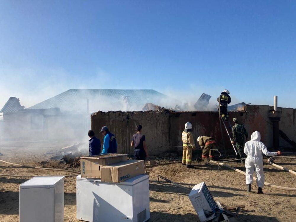В Атырауской области разгромили гробницу Матен-кожа 2