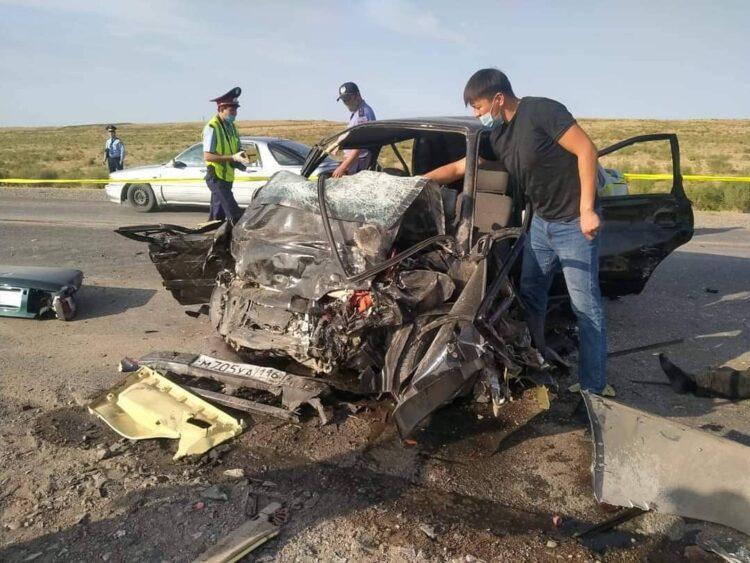 Три человека погибли в ДТП в Туркестанской области 1