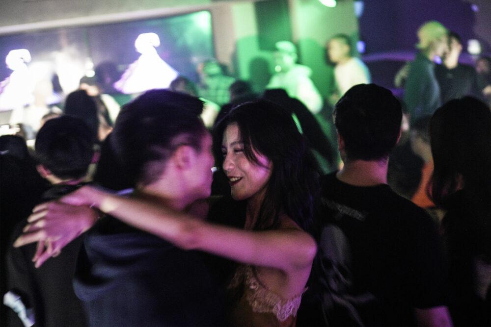 Смотреть как развлекаются в ночных клубах мода в клубах москвы