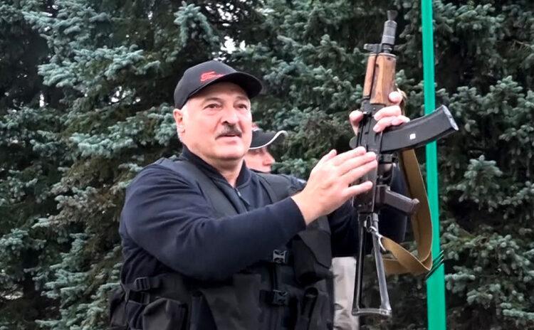 В Белоруссии может начаться гражданская война, предупредил Лукашенко 1
