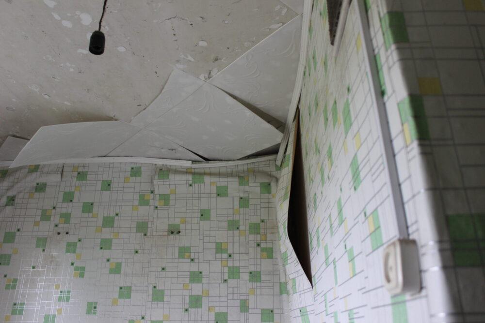 Красота на первом месте: Почему власти Темиртау отказываются ремонтировать аварийный дом 5