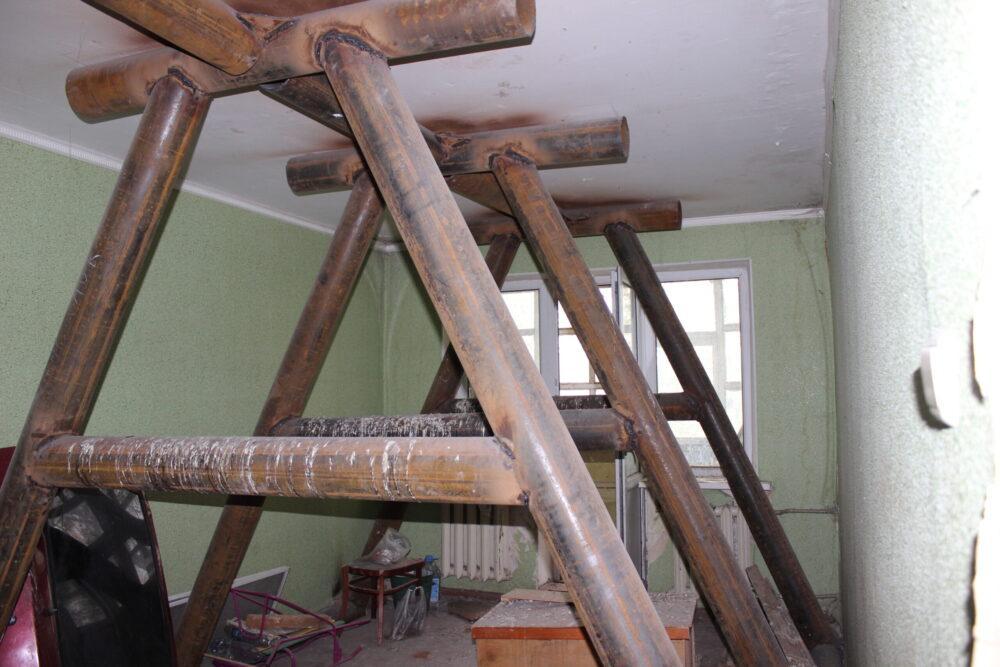 Красота на первом месте: Почему власти Темиртау отказываются ремонтировать аварийный дом 2