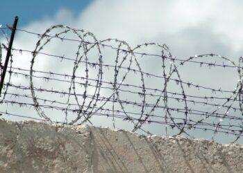Генпрокуратура Кыргызстана требует вернуться покинувших колонии и СИЗО во время беспорядков 1