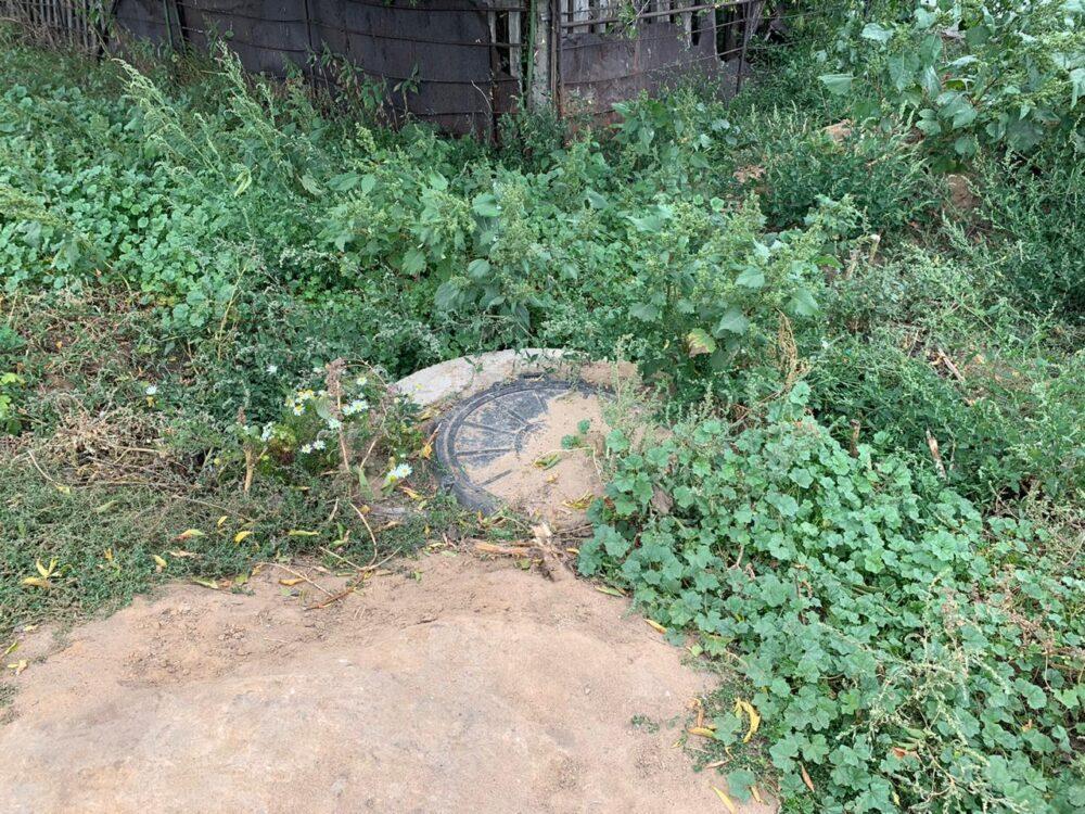 Устали от обещаний: жители села близ Темиртау 30 лет пьют воду с червями