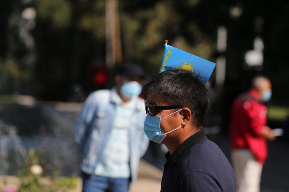 В Алматы начался митинг с требованием кредитной амнистии 3