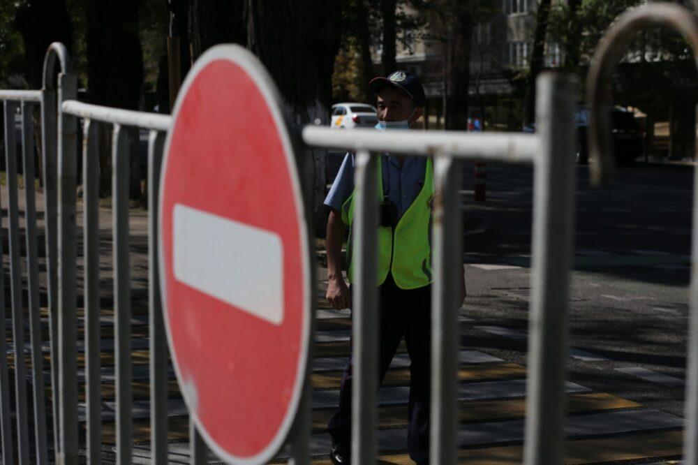 В Алматы начался митинг с требованием кредитной амнистии 5