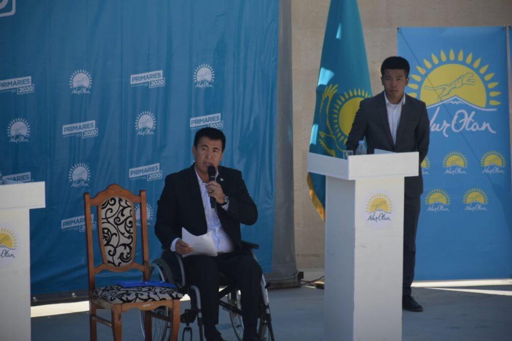 В Туркестане под открытым небом начались публичные дебаты в рамках праймериз Nur Otan 5