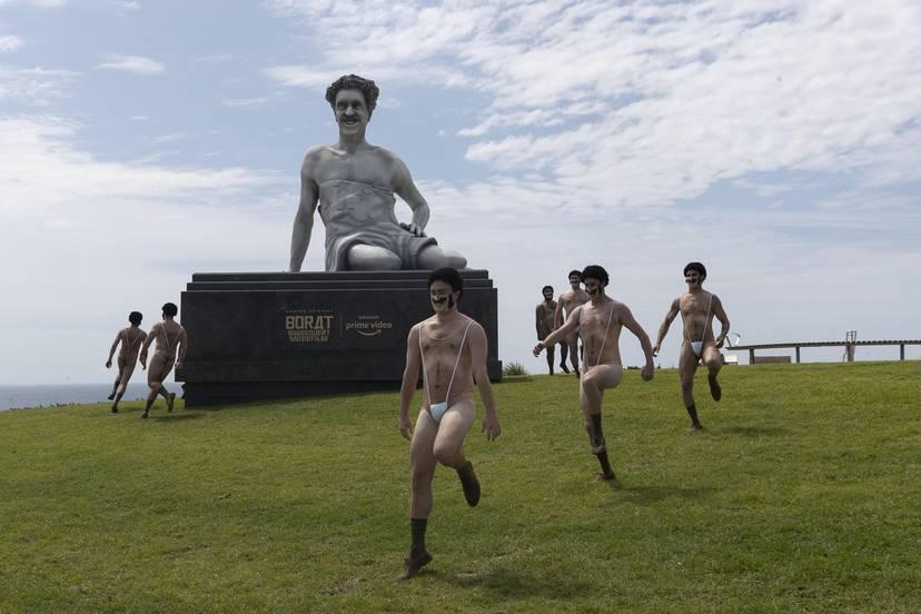 В Австралии установили статую Бората и провели парад с казахстанским флагом 1
