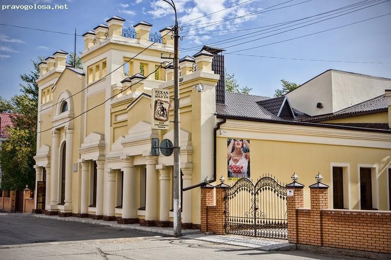 Киномеханик работает дворником: как в Казахстане умирают кинотеатры 4