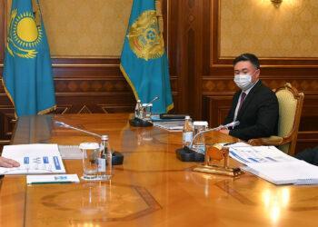 Токаеву доложили о проекте, который обеспечит 99,5% Казахстана интернетом 1