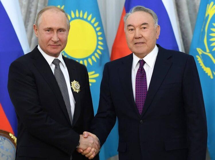 Елбасы поздравил Путина с Днем рождения 1