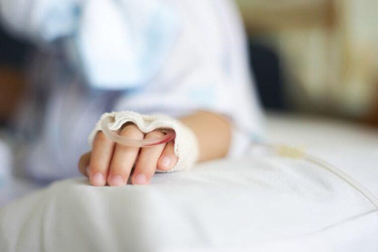 О состоянии попавшей под поезд девочки сообщили медики Шымкента 1