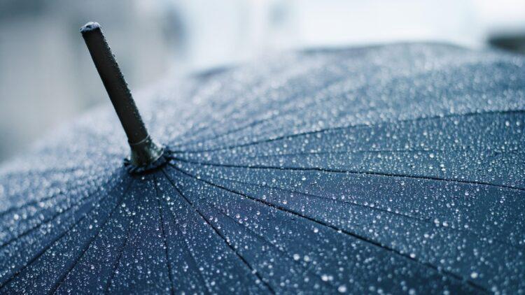 В пяти областях Казахстана объявили штормовое предупреждение 1