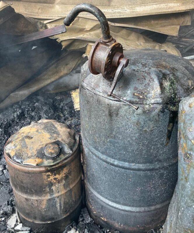 Взрыв произошел во время пожара на одном из СТО в Алматы 5