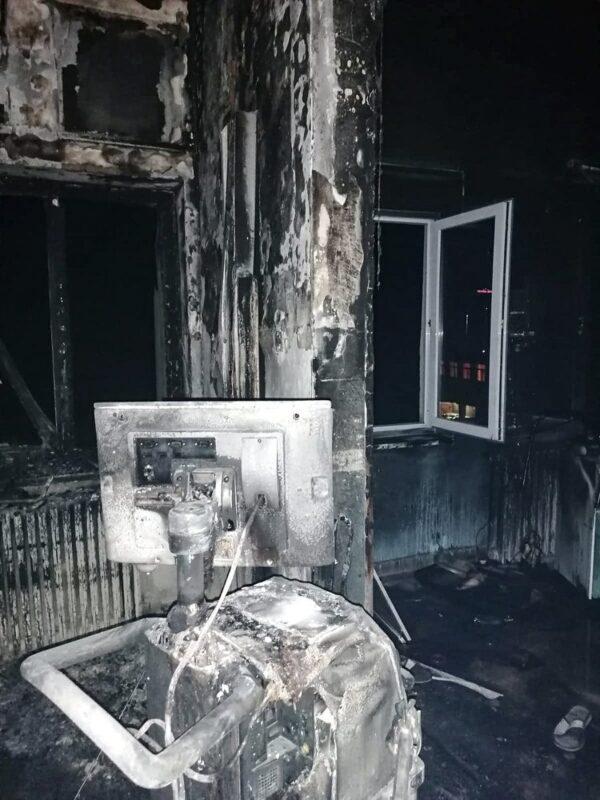 Зараженные коронавирусом погибли при пожаре в больнице Румынии 3