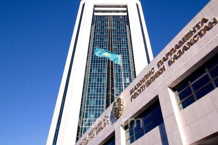Минздрав разъяснил требования к избирательным комиссиям и партиям при проведении съездов 1