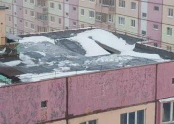 13-летний казахстанец покончил с собой, спрыгнув с крыши 4